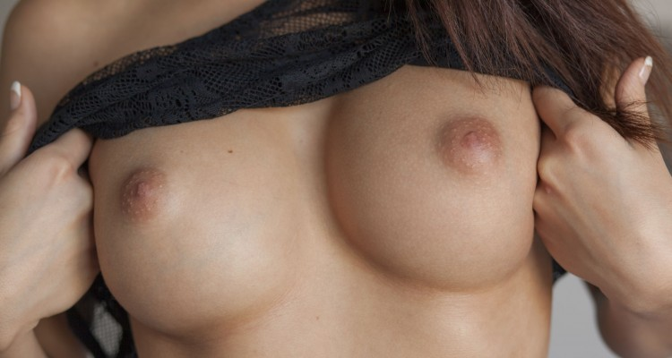 Nici Dee perky tits close up at Sex Art