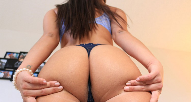 Mila Mars shows her phat ass
