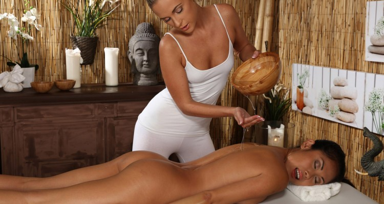 Kim gets a massage from MassageRooms.com