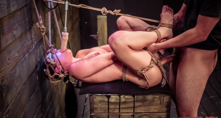 Nikki Bell gets double penetrated