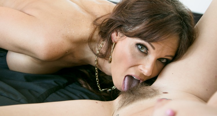 Syren De Mer licking a hairy pussy