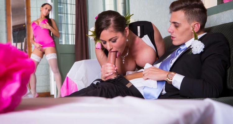 Girlfriend watches as step-mom blows boyfriend