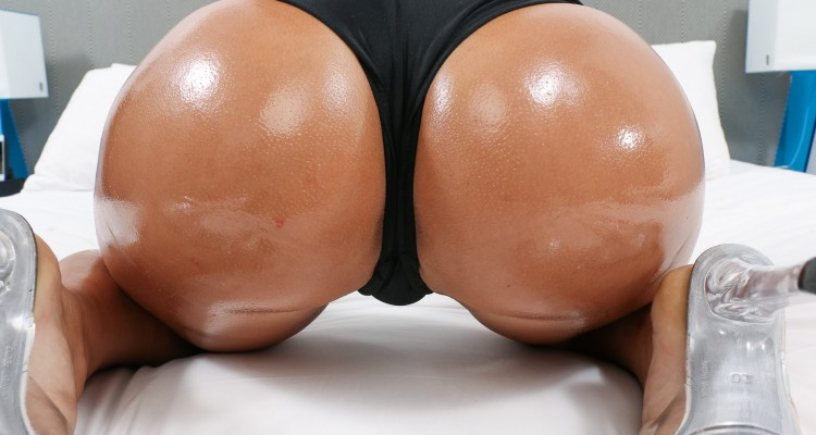 Closeup of Desirae Rose's oiled up booty