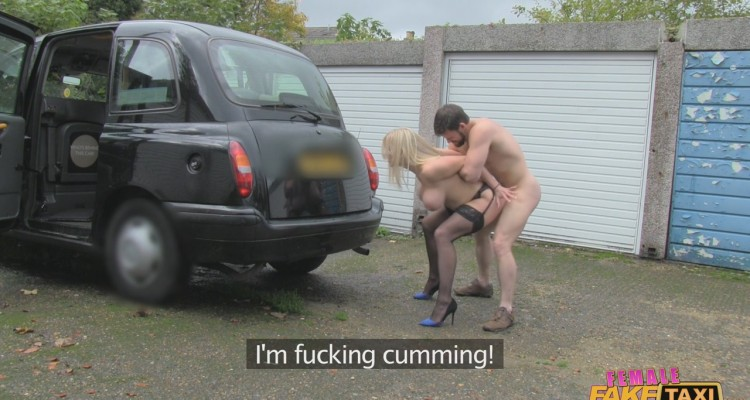 Rebecca cums while being fucked in public