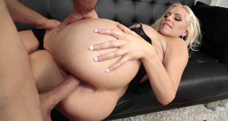 Alexa Croft gets her big ass fucked