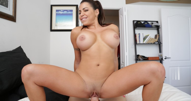 Busty Latin house cleaner earns her pay check