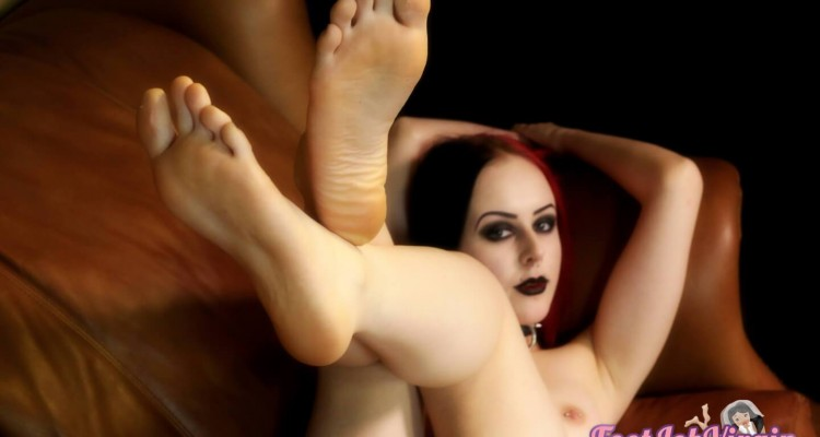 goth chick shows us her bare feet